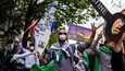 Berliinin mielenosoituksissa kannettiin lauantaina Jerusalemissa sijaitsevan Al-Aqsan moskeijan kuvia ja palestiinalaisten tunnuksia.
