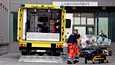 Ambulanssi, joka oletettavasti kuljetti Aleksei Navalnyitä, saapui sairaalaan Berliinissä sunnuntaina.