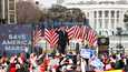 Entinen presidentti Donald Trump puhui kannattajilleen kongressitalon valtaamisen alla loppiaisena.