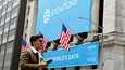 Pilvipalveluyhtiö Snowflaken mainoslakana New Yorkin pörssin edessä syyskuussa