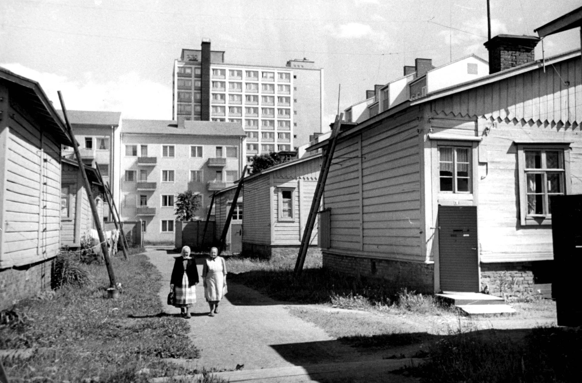 Amurin puutaloalue odotti 1960-luvulla vielä purkamistaan.