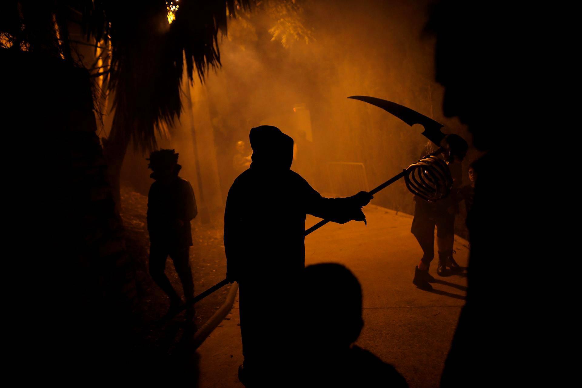 Kauhujen yön juhlintaa Churrianan kaupunginosassa Malagassa Etelä-Espanjassa.