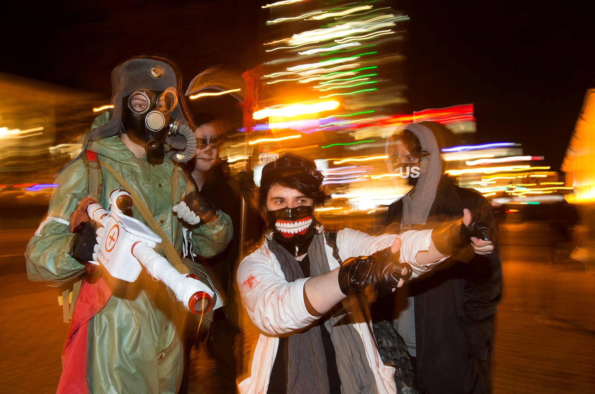 Halloweenin juhlintaa Minskissä Valko-Venäjällä.
