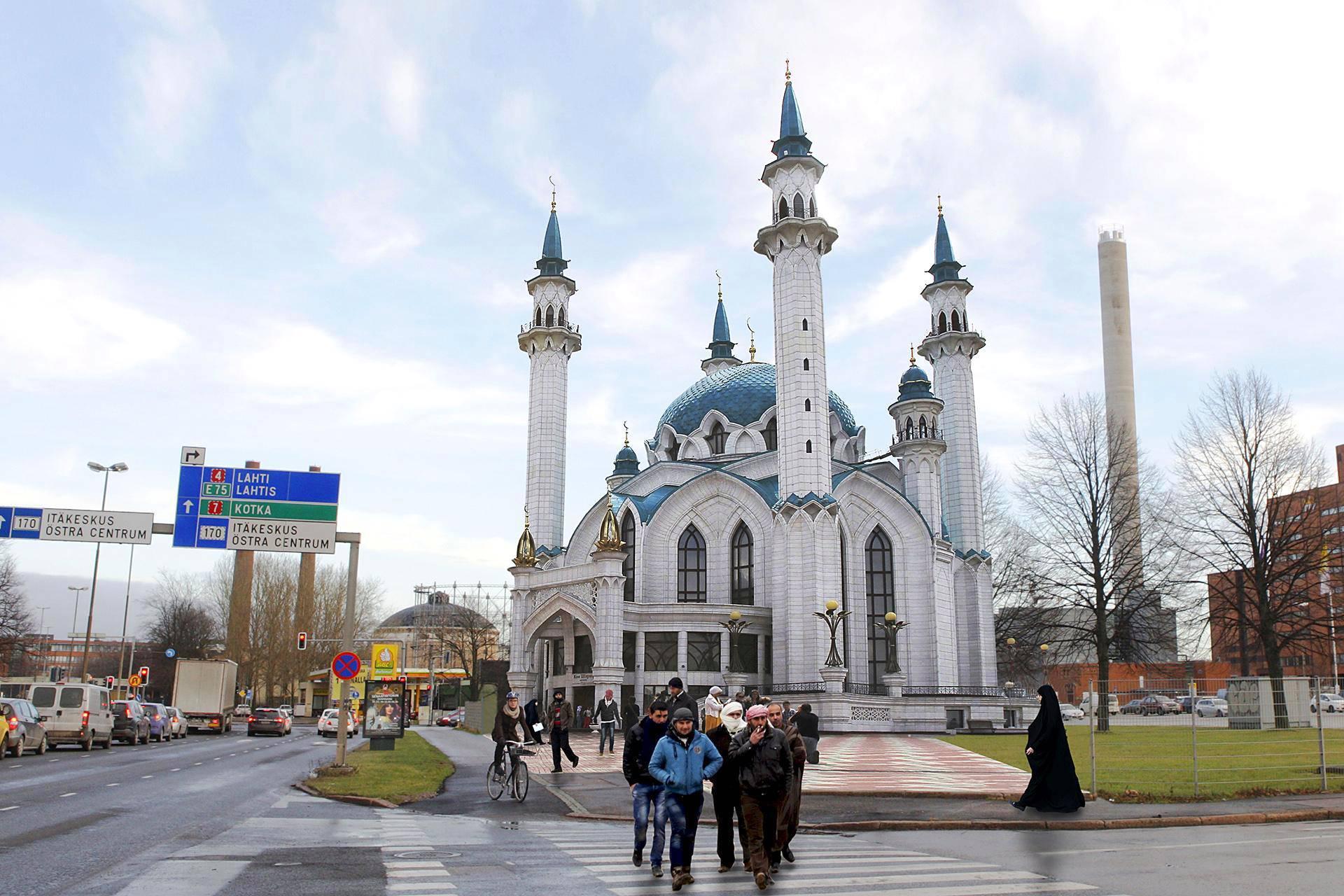 Helsingin moskeija voisi tulla Sörnäisten rantatielle. Havainnekuvassa paikalle on sijoitettu Kazanin moskeija, joka on suurempi kuin Helsinkiin mahdollisesti tuleva rakennus.