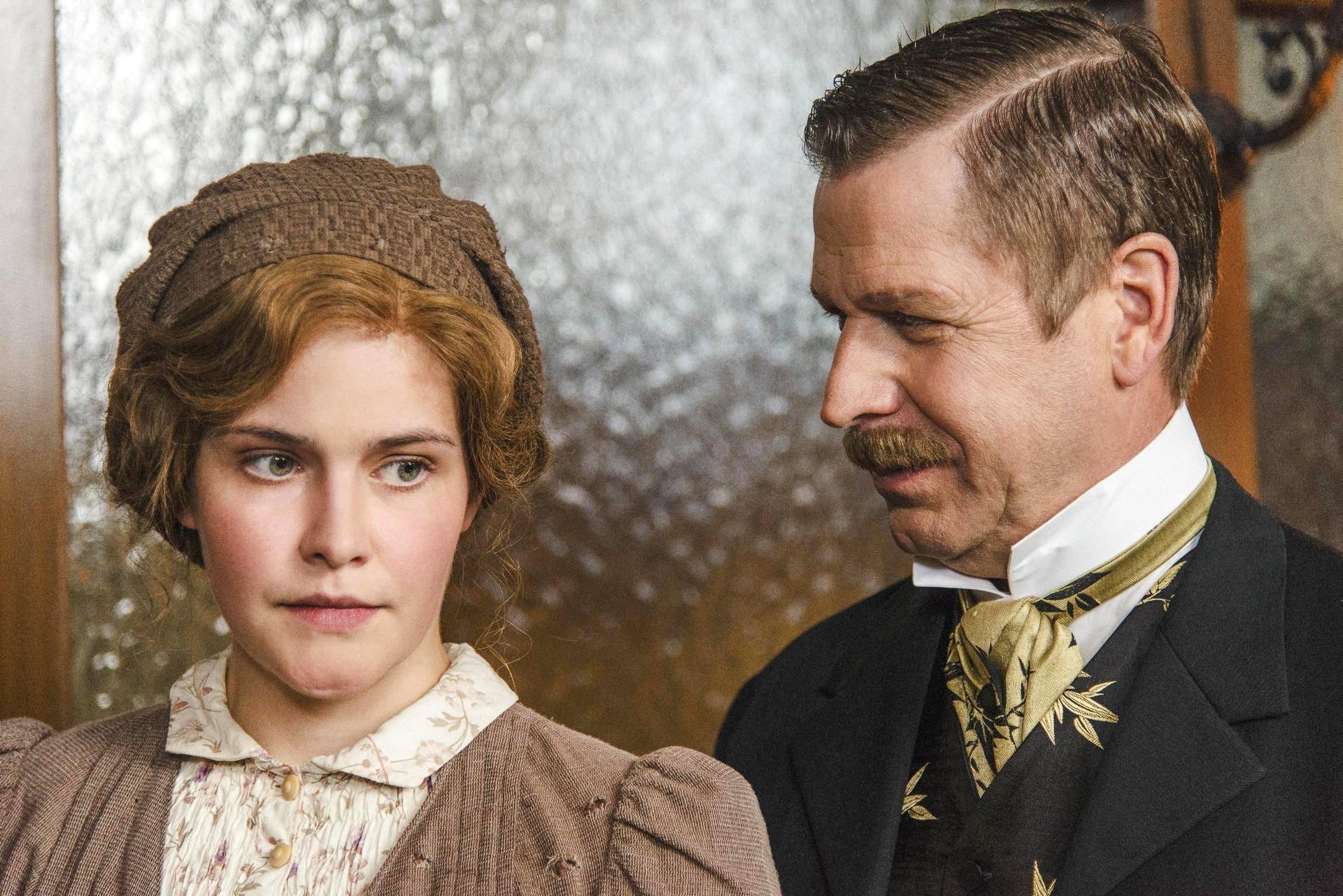 Silta-sarjan tekijöiden uusi dekkari alkaa tänään - rooleissa myös suomalaisia näyttelijöitä