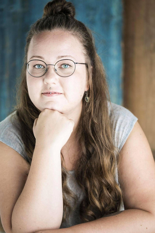 """Nuoret jonottivat 20 tuntia merkkilenkkareita Helsingin hyytävässä pakkasessa - """"Äiti ei kyllä tykkää"""""""