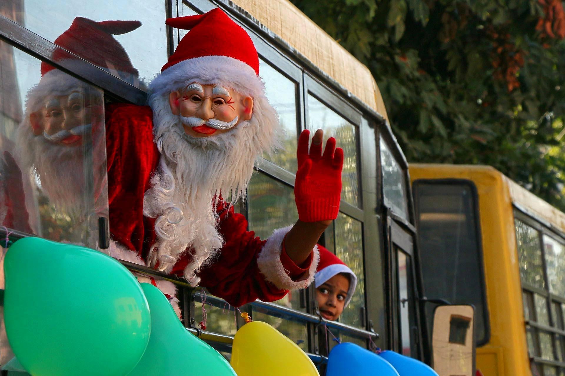 Intian Chandigarhissa pukki teki matkaa bussin kyydissä.