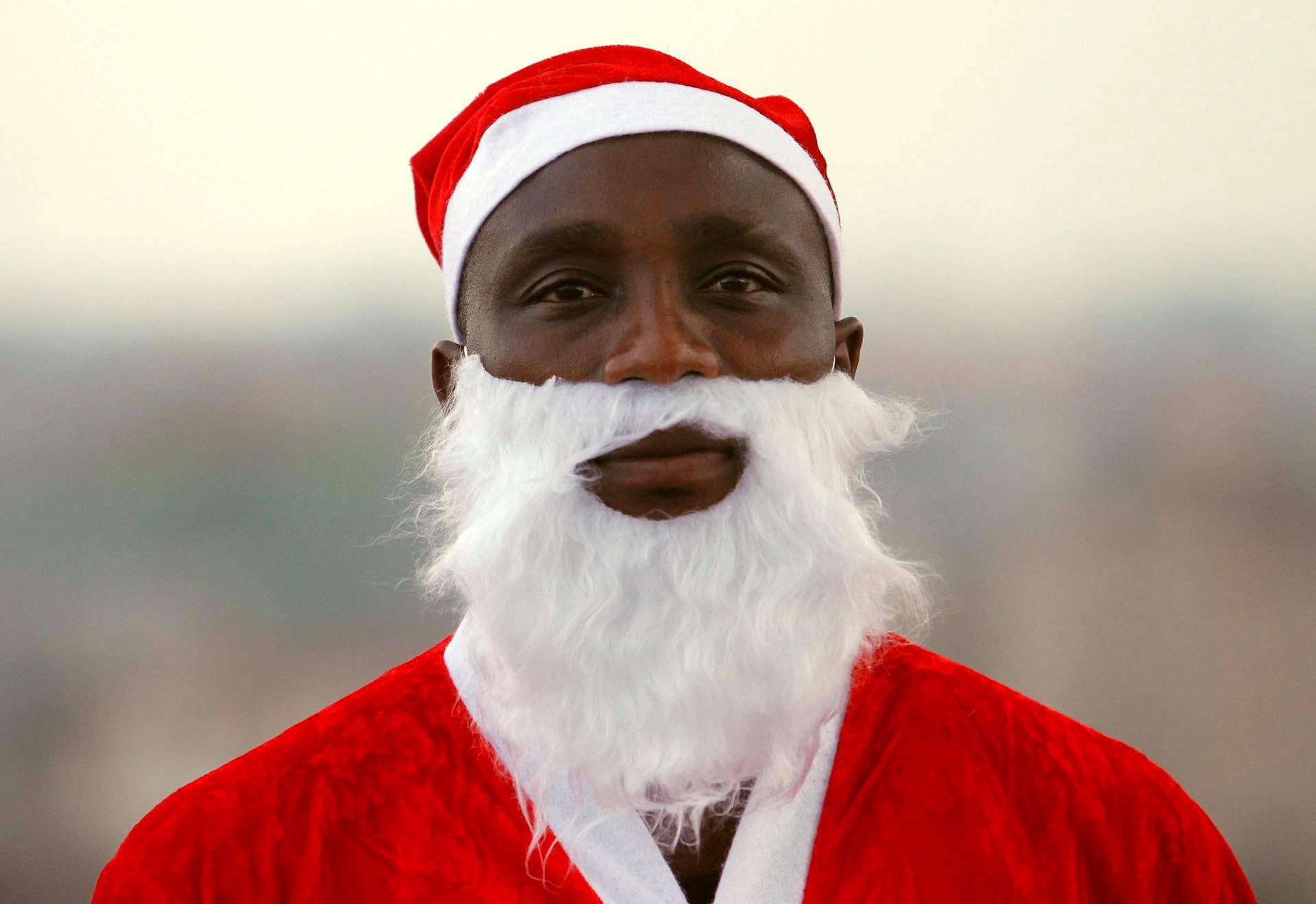 Norsunluurannikkolaista pukkityyliä Abidjanista.