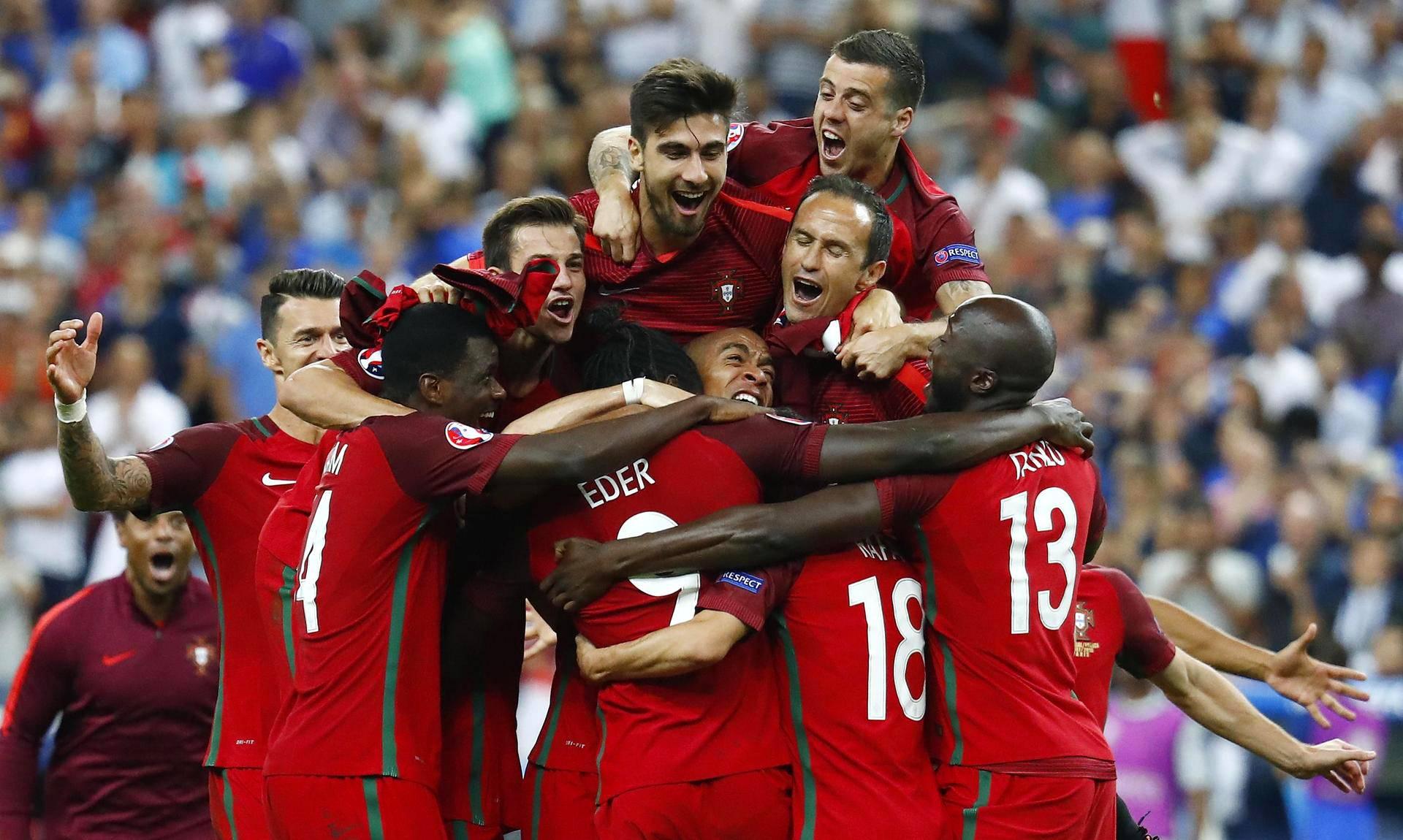 Portugalin joukkue aloitti villit juhlat mestaruuden ratkettua.