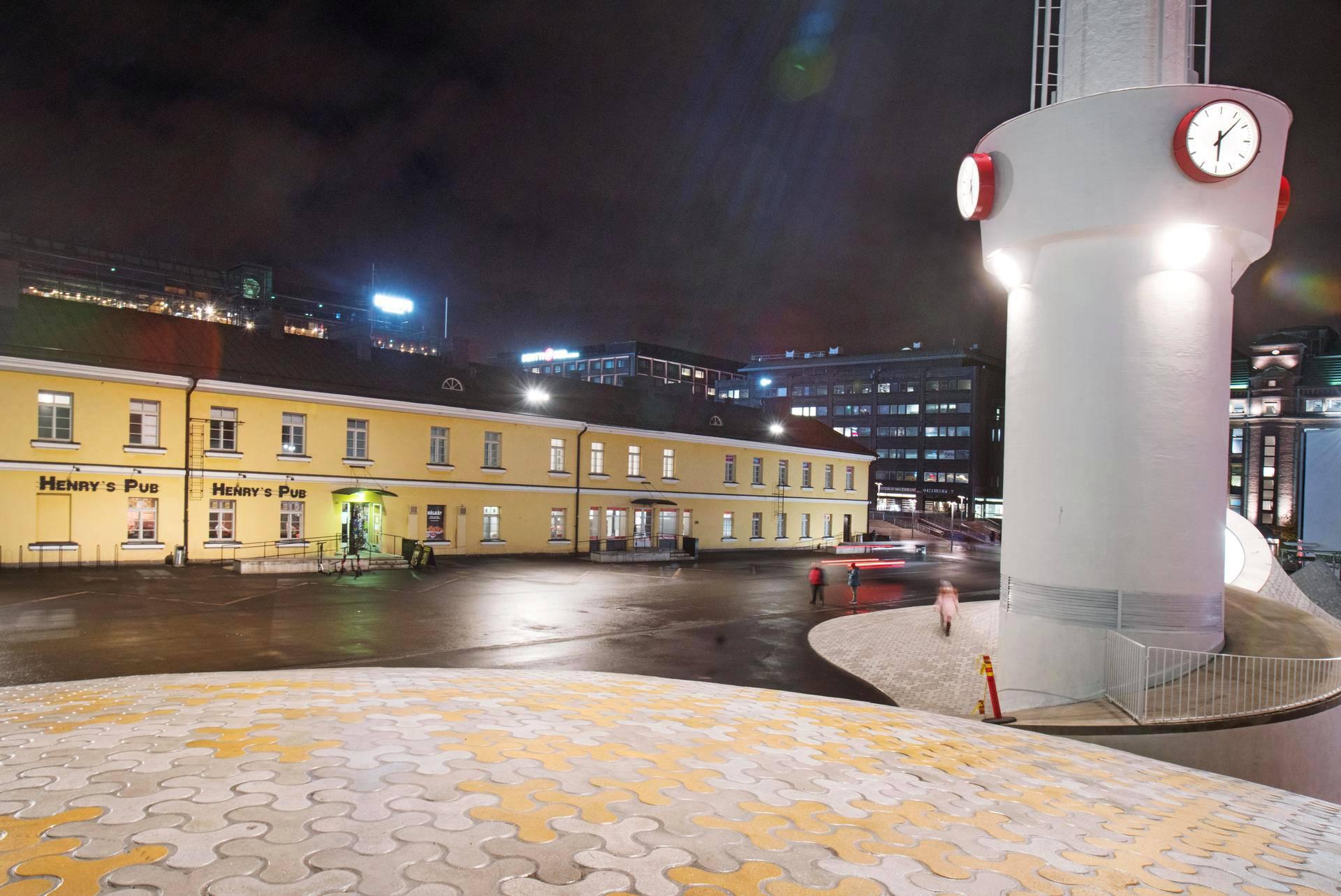 Linja-autoliikenteen aikataulut Helsinki (Linja-autoasema) - Pietari