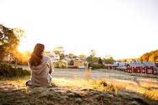 """""""Täältä ei puutu mitään. Todella hyvällä sijainnilla oleva Porvoo on kaunis, luonnonläheinen ja ihmisystävällinen"""", sanoo Annina Aug."""