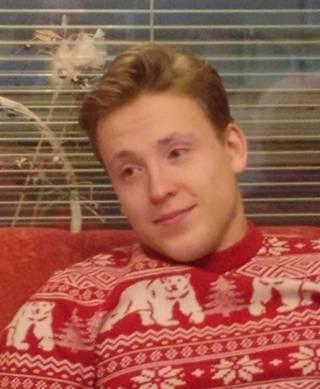 Poliisin 10. helmikuuta välittämä kuva kadonneesta espoolaisesta Miikka Leinosesta.