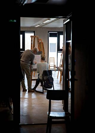 Viron taideakatemiassa opetetaan myös kuvataiteita.