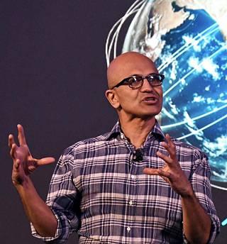 Microsoftin toimitusjohtaja Satya Nadella esiintyi Intiassa tiistaina. Keskiviikkona Microsoft varoitti tuloksensa heikentymisestä.