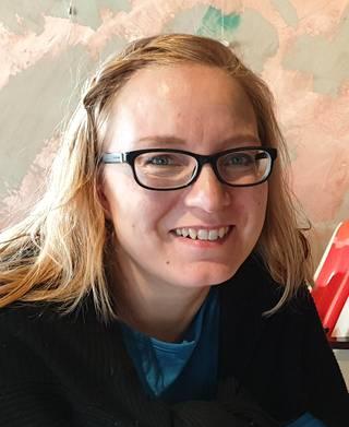 Tiina Herrgård ehdottaa perinneruoaksi lohikeittoa.