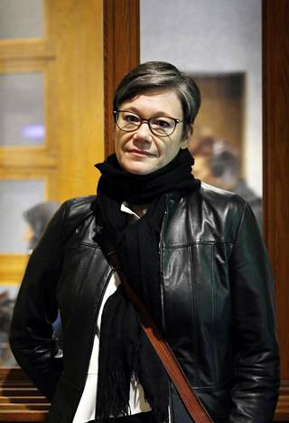 Yksinäisyystutkija Niina Junttilan mukaan pitkäaikaisella eristäytymisellä voi olla vakavia terveyshaittoja.