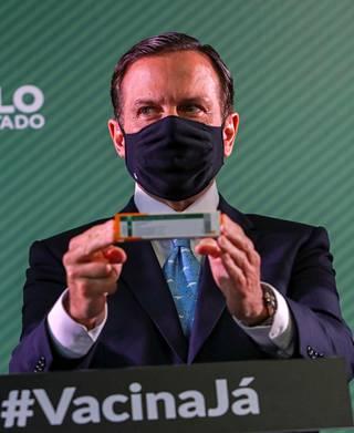 São Paulon kuvernööri João Doria esitteli Sinovacin rokotetta tiedotustilaisuudessa São Paulossa Brasiliassa viime viikon tiistaina.