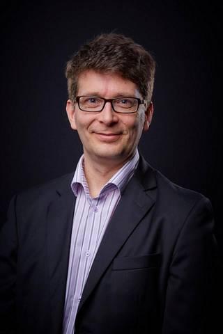 Helsingin yliopiston viestinnän yliopistonlehtori, sosiaalipsykologi Janne Matikainen.