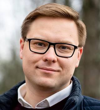 Kokoomuksen ryhmänjohtaja Daniel Sazonov