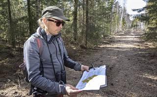 Metsähallituksen suunnittelijan Markus Keskitalon mukaan Munasuon maisema kaunistuu muutamassa vuodessa.