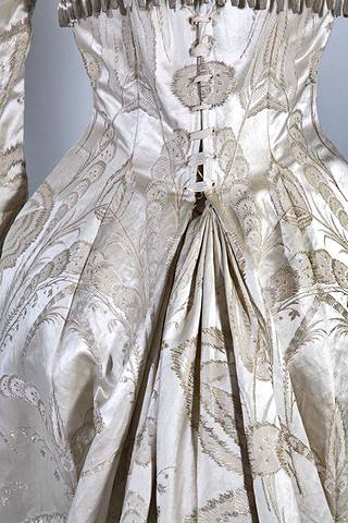 The collections of the Turku Museum Center include an evening dress ordered from Augusta Lundin to celebrate the silver wedding day.