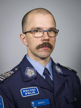 Poliisitarkastaja Konsta Arvelin