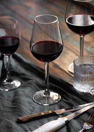 Viini vaikuttaa unen laatuun.