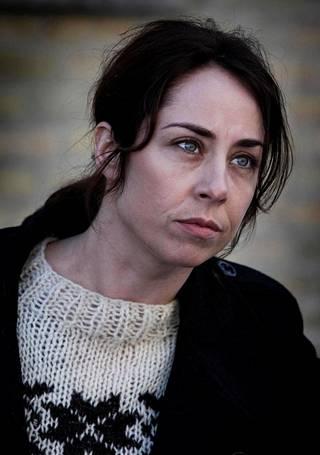 Sofie Gråbøl esittää Rikos-sarjan päähenkilöä, rikosetsivä Sarah Lundia. Lundin villapaidoista tuli hitti maailmalla.
