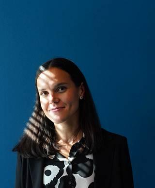 """""""Lapsilla on valtava into uutisiin ja he haluavat myös vaikuttaa sisältöihin"""", Helsingin Sanomien päätoimittaja Anu Ubaud sanoo."""