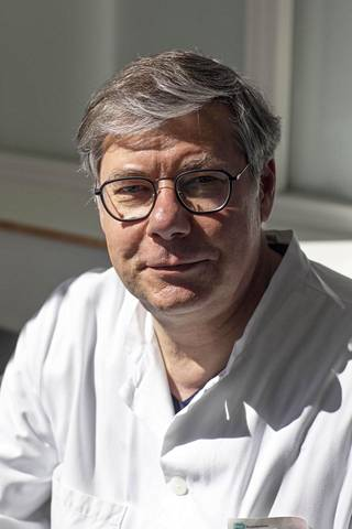 Ylilääkäri Asko Järvinen.