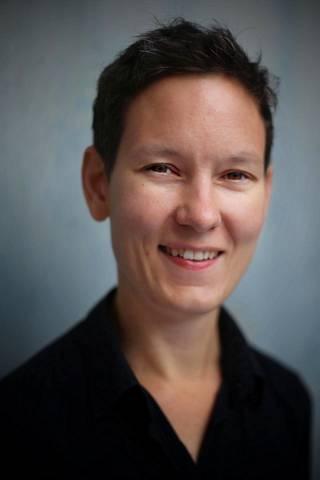 Monimuotoiset perheet -verkoston johtava asiantuntija Anna Moring peräänkuuluttaa eri perhemuotojen huomioimista koronarajoituksista säädettäessä.