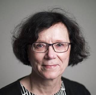 Tampereen yliopiston gerontologian professori Marja Jylhä ihmettelee, miksi päättäjät eivät reagoineet Suomen väestön ikääntymiseen ajoissa kaikista varoituksista huolimatta.