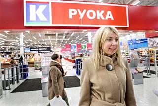 Jekaterina Antonova aikoo ostaa shampoot ja pesuaineet vastaisuudessa Suomen puolelta tai Pietarin Prismoista.