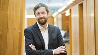 Mikael Kirkko-Jaakkola Veronmaksajien keskusliitosta arvioi hallituksen kaavailemien korotusten olevan kotitalouksille merkittäviä.