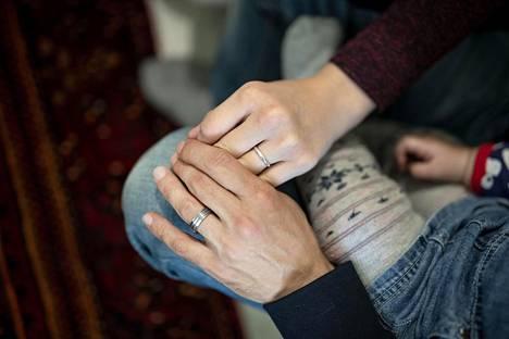 Perus- ja ihmisoikeusnäkökulmasta liian kireät perheenyhdistämiskäytännöt voivat rikkoa lapsen oikeuksia sekä oikeutta perheeseen.