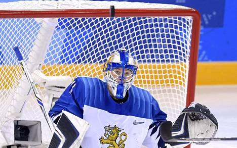 Noora Räty on pelannut tähän asti Suomen naisten maalilla olympialaisten jääkiekossa.