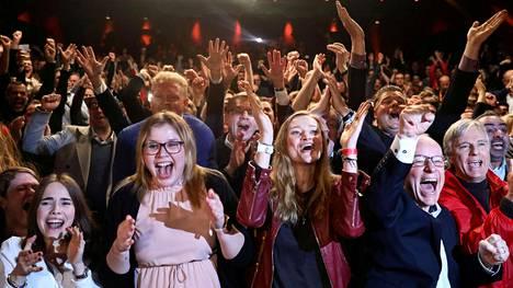 Hampurin demarit iloitsivat sunnuntai-iltana vaalivoitostaan ja AfD:n huonosta tuloksesta Saksan paikallisvaaleissa.