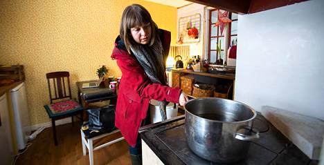 """""""Tällainen talo olisi jäänyt haaveksi, ellei pakko olisi saanut minut uskaltamaan"""", Stella Karlsson sanoo."""