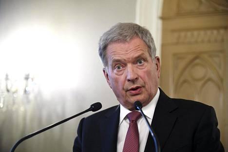 Tasavallan presidentti Sauli Niinistö on useampaan kertaan tuonut esille kantansa, jonka mukaan presidenttikautta olisi varaa lyhentää.