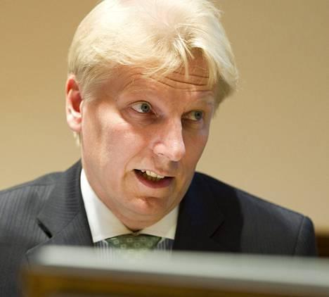 Keskustan Kimmo Tiilikainen ei hätkähtänyt Soinin moitteista. Tiilikaisen mukaan oppositiopuolueiden yhteistyötä voidaan edistää vastedeskin asiapohjalta.