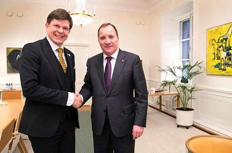 Ruotsin pääministerinä todennäköisesti jatkava Stefan Löfven tapasi puhemies Andreas Norlénin Tukholmassa keskiviikkona.