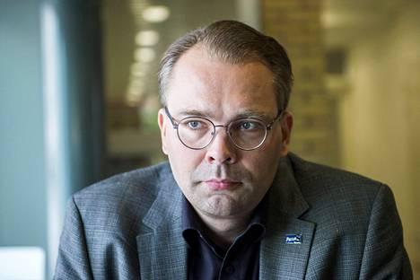 Puolustusministeri Jussi Niinistön (ps) mukaan suomalaissotilaat eivät osallistu Irakissa taistelutehtäviin.