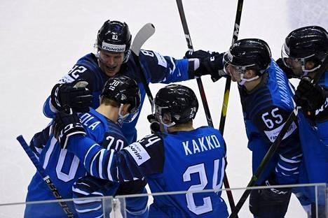 Suomi juhli jääkiekon maailmanmestaruutta edellisissä jääkiekon MM-kisoissa Slovakiassa keväällä 2019.