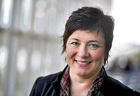 Lilli Paasikivi lauloi Espoossa yhdessä Hanna Rantalan kanssa.