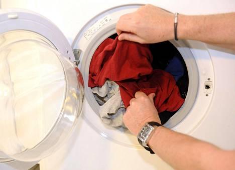 Osakkaan pitää huolehtia, että pesukoneen letkut ovat kunnossa.