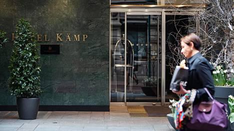 Hotelli Kämp on toinen Kämp-ketjun auki olevista hotelleista. Suurin osa hotelliketjujen kohteista on sulkenut ovensa koronakriisin ajaksi.