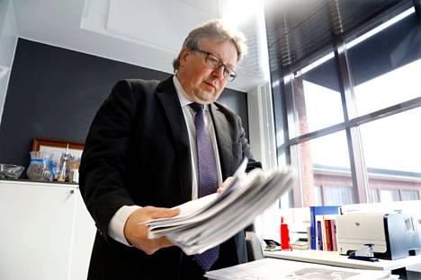 Eläkkelle jäävä Hyvinkään kaupunginjohtaja Jyrki Mattila ei enää tulevalla vaalikaudella Hyvinkäätä johda, mutta hän pelkää, että valtionosuuksia leikataan kuntien sivistyksestä kuten kouluista. Kun valtion rahoittamaksi siirtyvät sote-menot kasvavat, jostakin valtion pitää leikata.