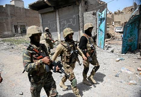 Pakistanilaisia sotilaita Miranshahissa keskiviikkona.
