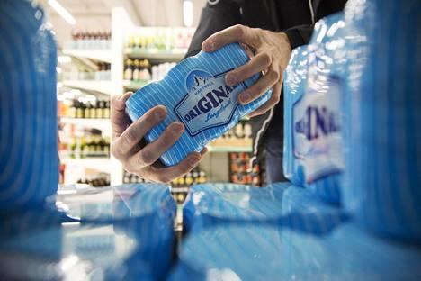 Suomi vapautti alkoholilainsäädäntöä vuoden 2018 alussa. Lakimuutos toi muun muassa korkeintaan 5,5-prosentin alkoholijuomat ruokakauppoihin. Samalla ravintoloiden aukioloaikoja vapautettiin.