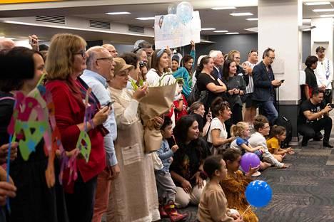 Uuden-Seelannin pääkaupungin Wellingtonin lentoasemalla odotettiin sukulaisia vierailulle Australian Sydneystä maanantaina.
